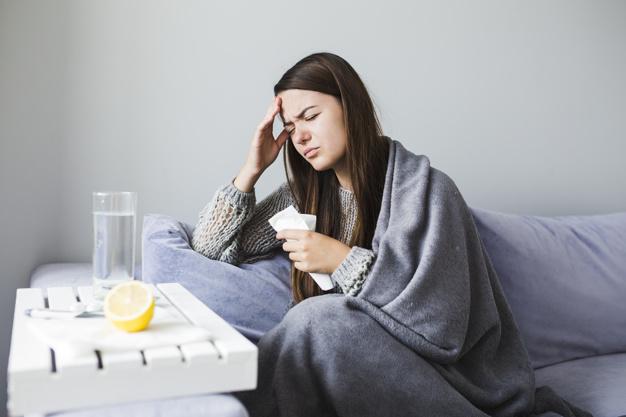 Ilustrasi wanita tengah sakit