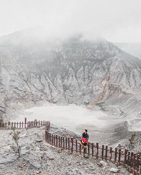 Destinasi wisata alam Gunung Tangkuban Perahu Lembang