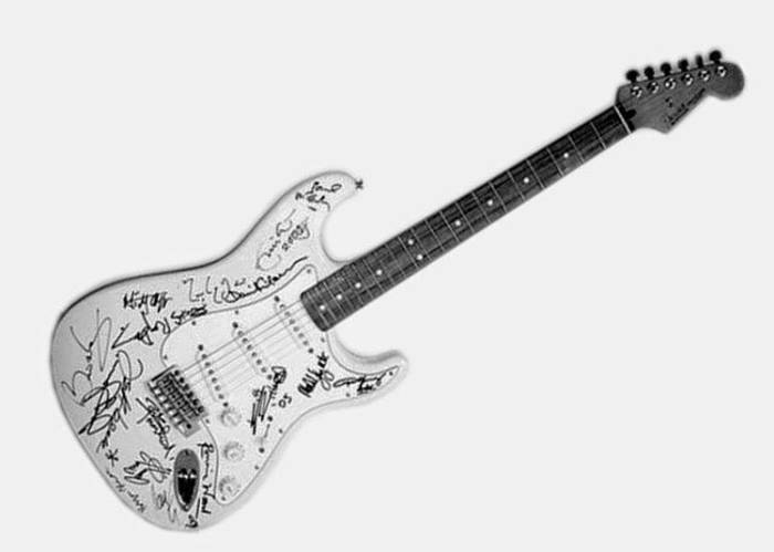 Fender Stratocaster Reach Out to Asia