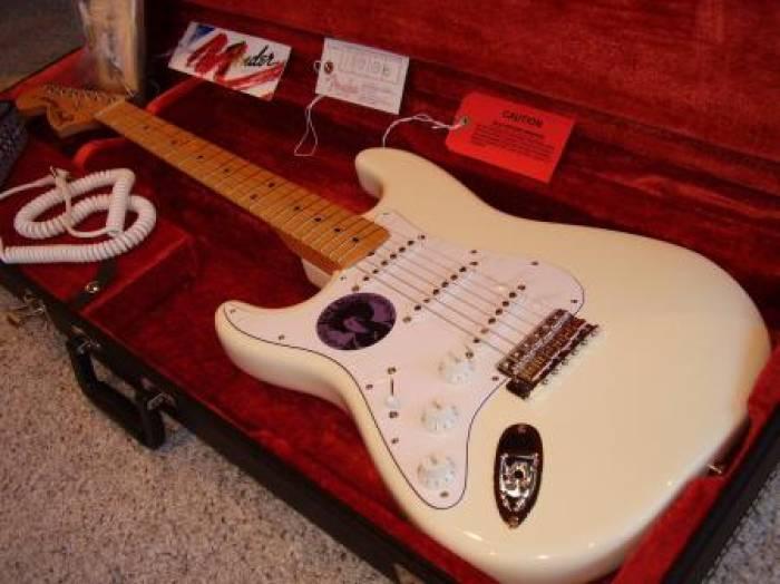 Fender Izabela milik Jimi Hendrix