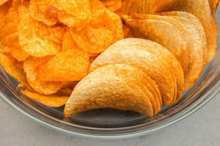 5 Makanan yang Harus Dihindari Selama Masa Self Isolation