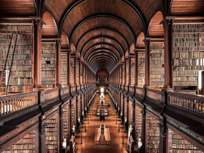 Perpustakaan terkeren dunia The Old Library at Trinity College