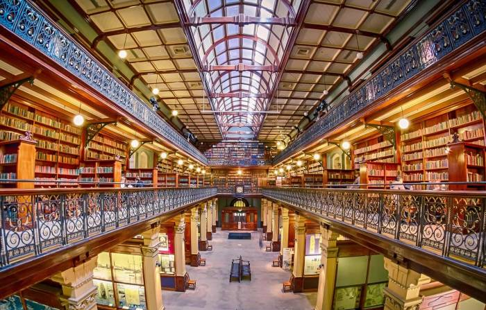 Perpustakaan keren The Mortlock Wing of the South Australian State Library
