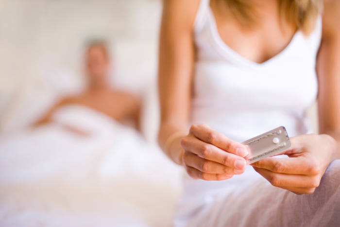mencegah kehamilan setelah hubungan intim minum pil kontrasepsi darurat