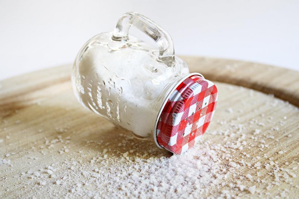 manfaat garam menghilangkan sel kulit mati