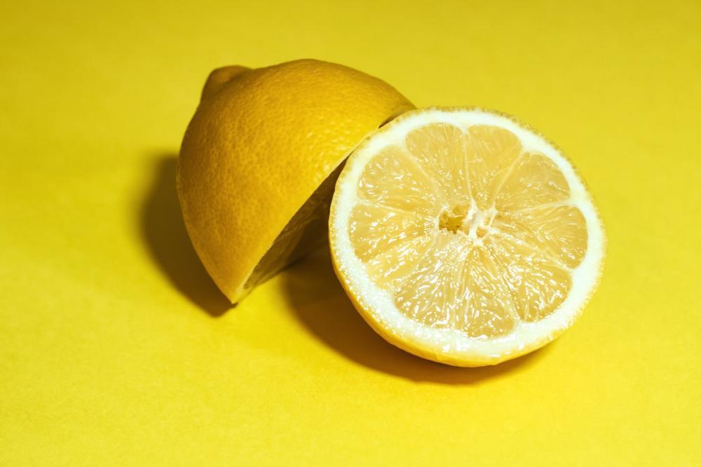 alami menghilangkan ketombe dengan lemon