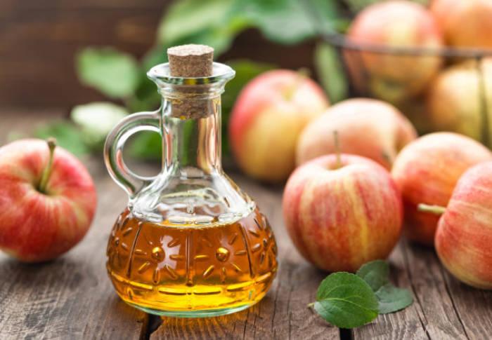 menghilangkan ketombe dengan cuka apel