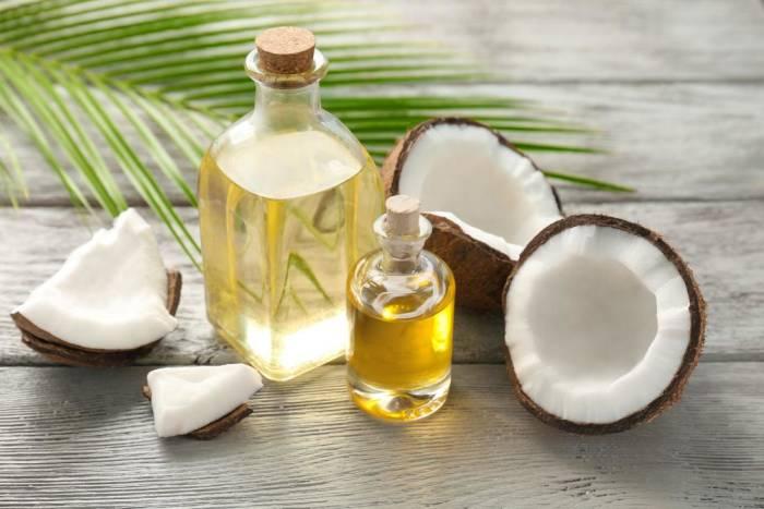 menghilangkan ketombe dengan minyak kelapa