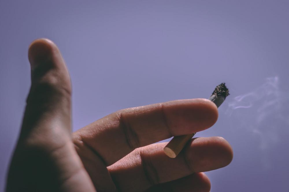 manfaat meditasi mengatasi kecanduan merokok