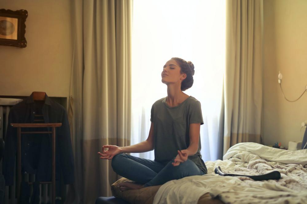 manfaat rutin meditasi untuk kesehatan mental