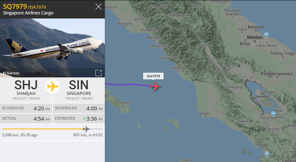 Salah satu pesawat dengan rute luar negeri yang melewati langit Indonesia