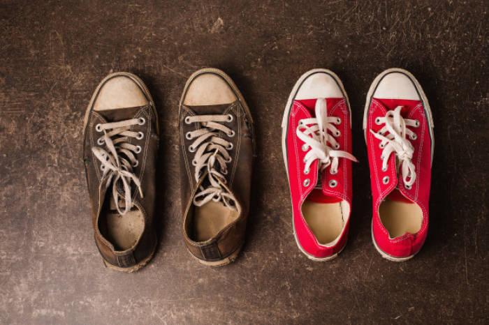 Sepatu.
