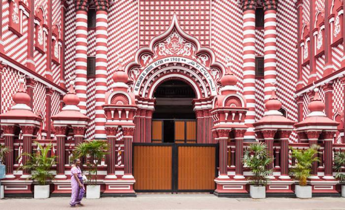 Menelusuri Pesona Masjid Unik di 5 Negara