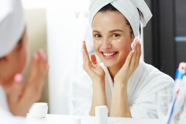 Ilustrasi merawat wajah untuk kulit yang lebih sehat