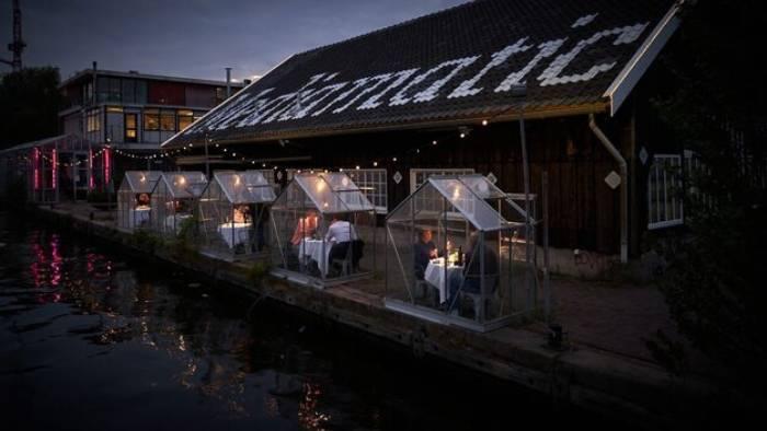 Suasana di Restoran Eten di Belanda.