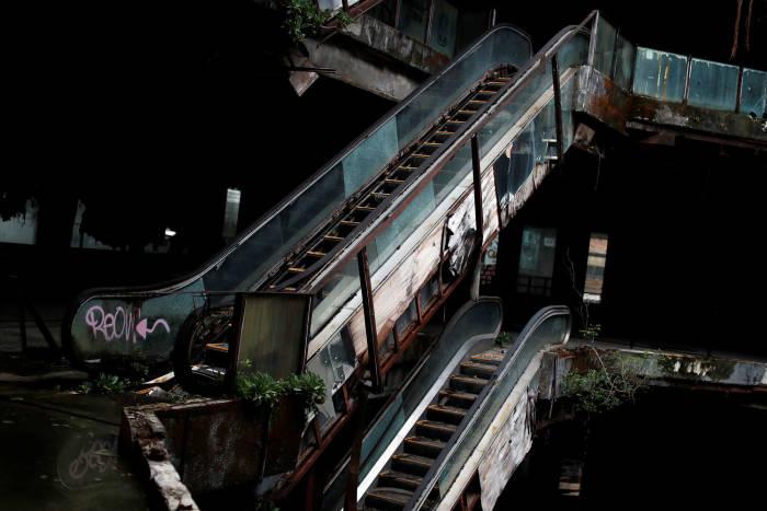 new world mall, mall, bangkok, thailand, mall menyeramkan, mall horor, mall terbengkalai, mall menyeramkan, horor, new world mall bangkok