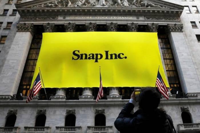 Logo perusahaan Snap Inc. di New York Stock Exchange