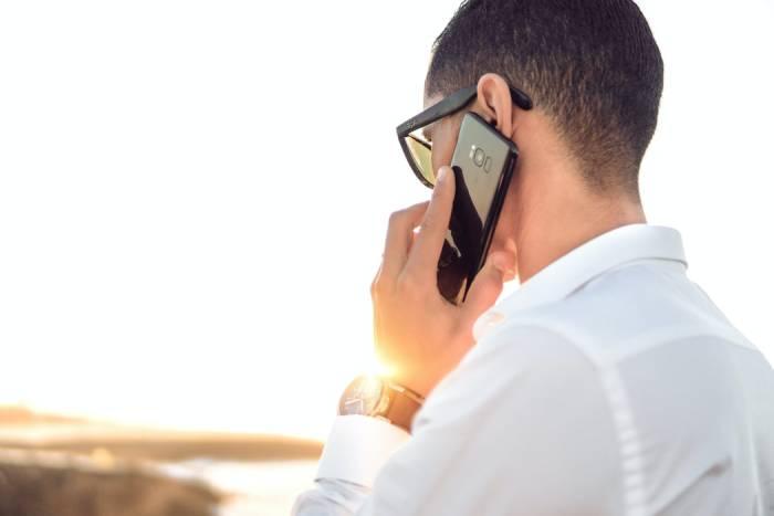 cara cek nomor Telkomsel dengan bantuan operator Call Center