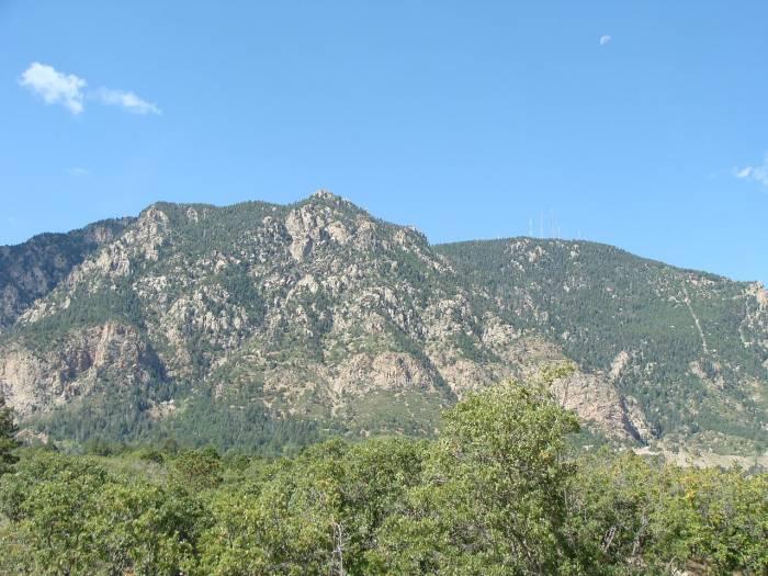 Gunung Cheyenne. (
