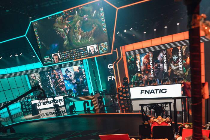 Pertandingan G2 Esports vs Fnatic di LEC Summer 2020 Finals