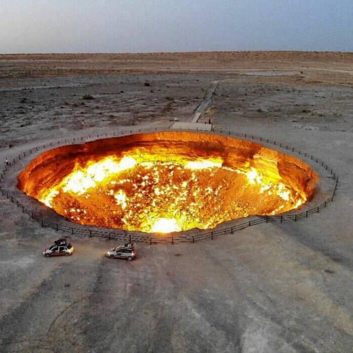 Kawah gas terbakar di Turkmenistan
