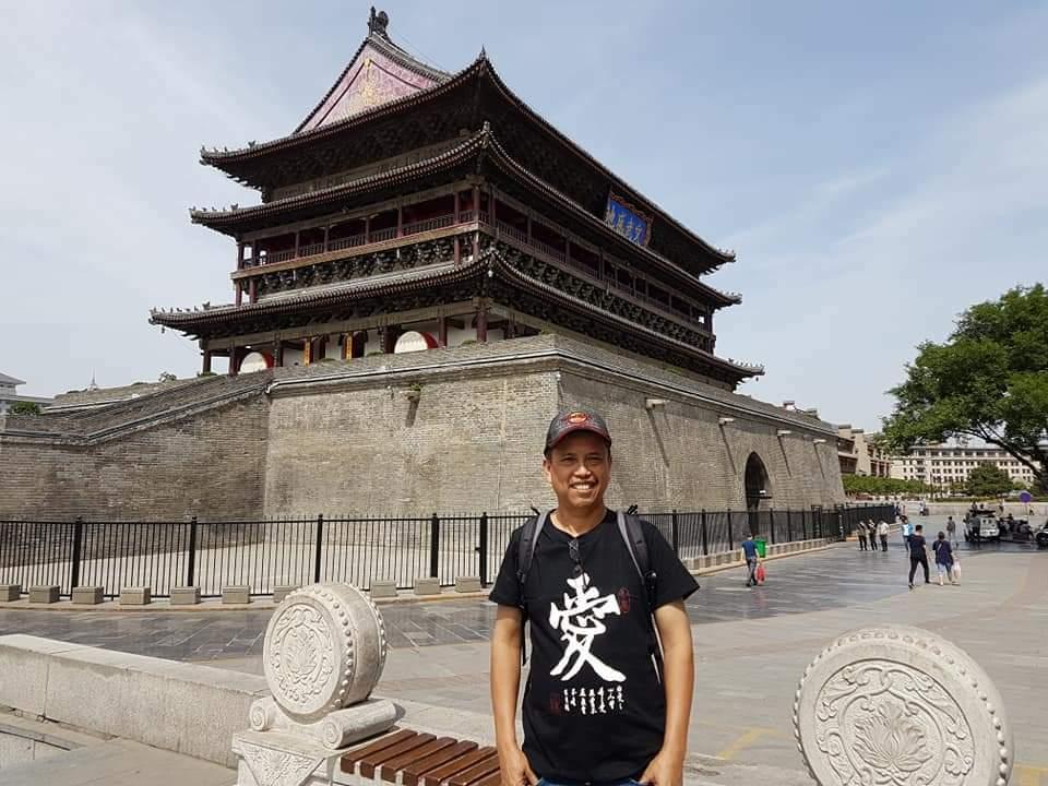 Neta S Pane berpose di Kota Xian, Tiongkok. (Instagram/Habibneta)