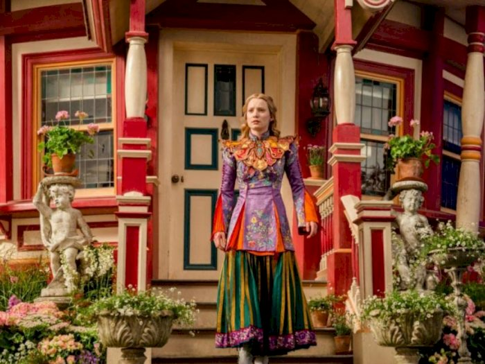 Sinopsis quotAlice Through the Looking Glass 2016quot - Kembalinya Alice ke Dunia Wondeland