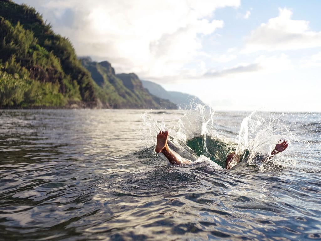 Nekat ke Pantai yang Masih Ditutup 4 Mahasiswa Bogor Terseret Ombak