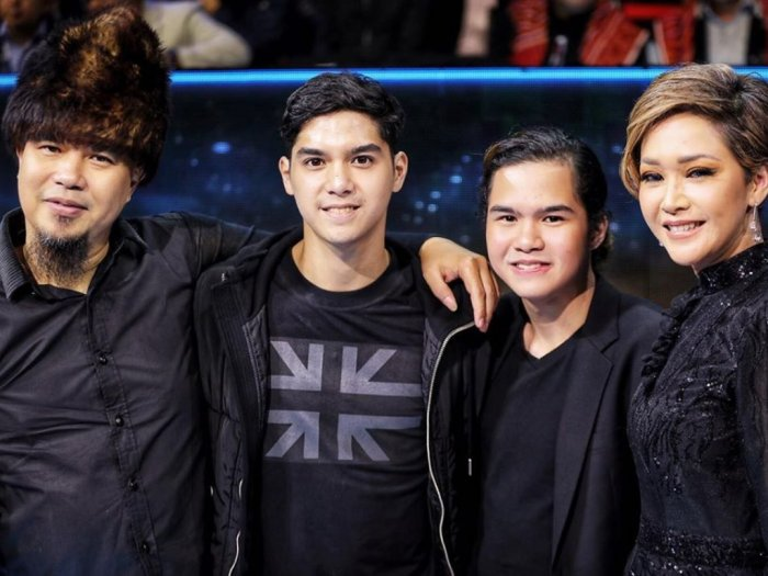 Reuni Bahagia Ahmad Dhani dan Maia Estianti di Final Indonesia Idol
