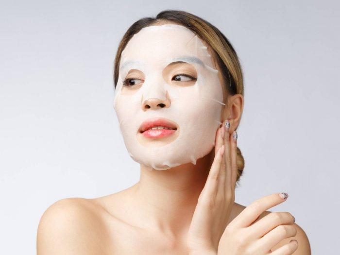 Dapatkan Manfaat Maksimal Sheet Mask dengan Tips Berikut Ini