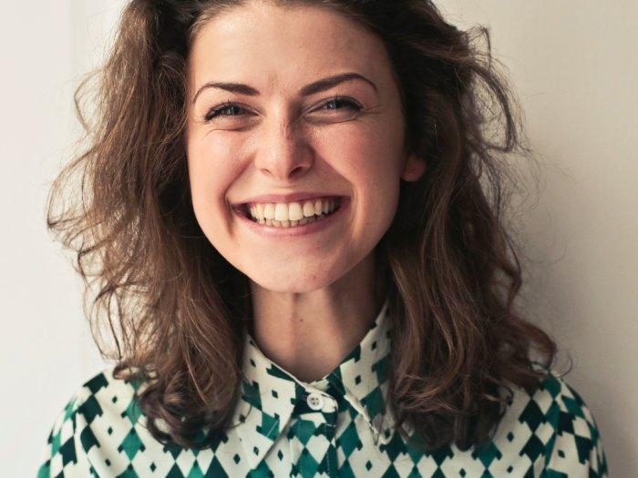 3 Tipe Senyuman yang Harus Kamu Pahami Maknanya
