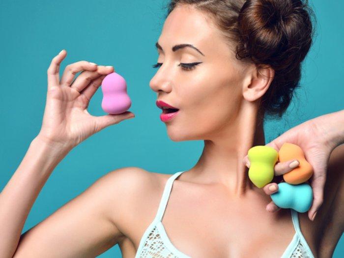Jangan Sembarangan Ini Cara Membersihkan Beauty Blender yang Benar