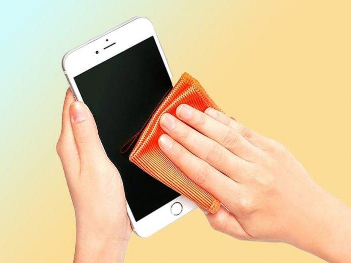 Apple Imbau Pengguna Bersihkan iPhone untuk Cegah Virus Corona