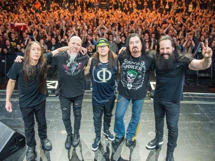 Wabah Corona Merebak Dream Theater Batal Tampil di Jakarta