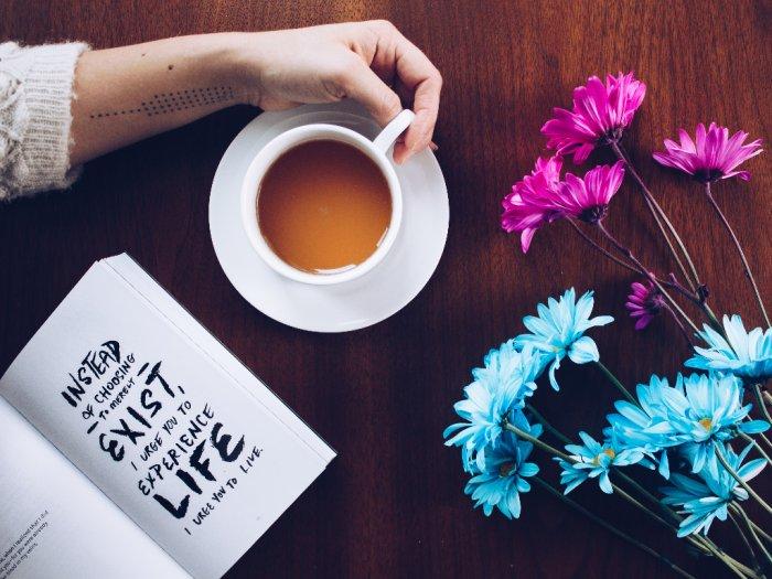 3 Manfaat Kesehatan Saat Kamu Rutin Minum Teh Tawar