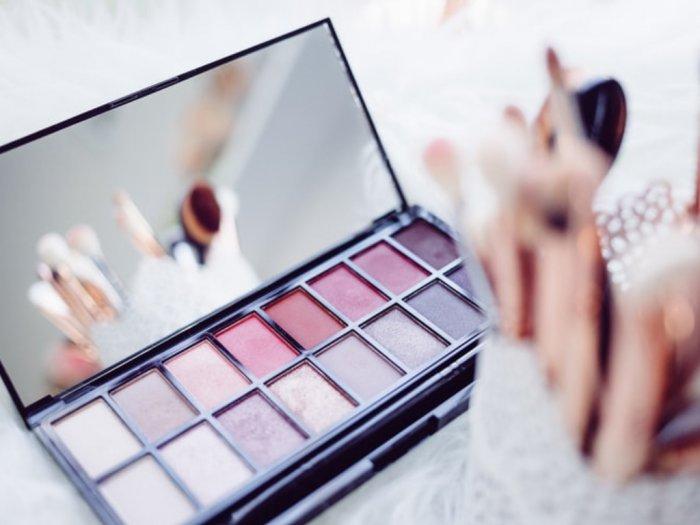 7 Langkah Memastikan Makeup Steril agar Terhindar dari Virus Corona