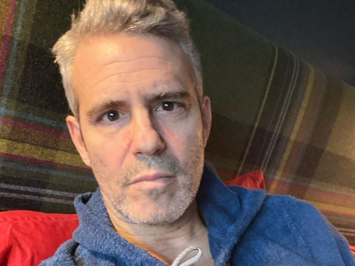 Pembawa Acara Andy Cohen Positif Virus Corona