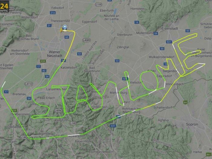 Aksi Pilot Bikin Rute Penerbangan amp039Stay Homeamp039 Sebuah Pesan Untuk Mencegah Corona