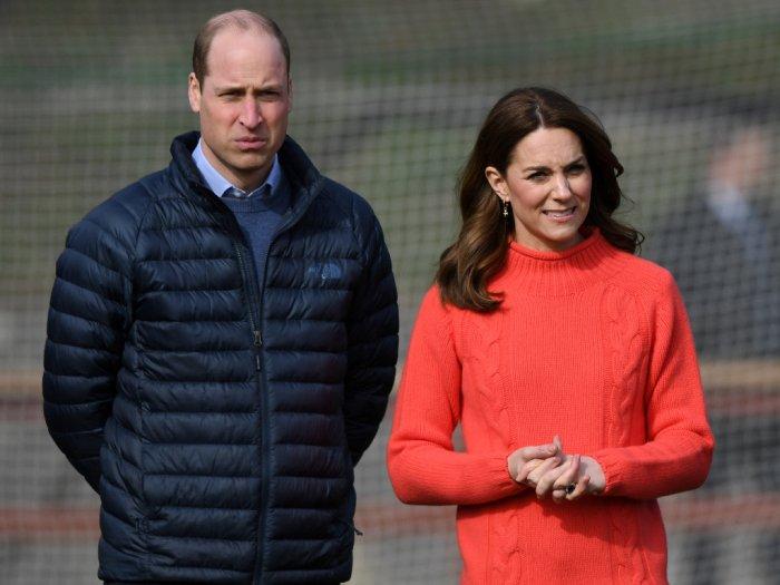 Pangeran Charles Positif Corona Kerajaan Inggris Dipegang Oleh Pangeran William
