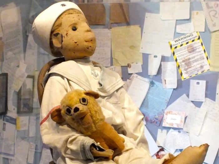 Kisah Misteri Boneka Terkutuk Robert The Doll