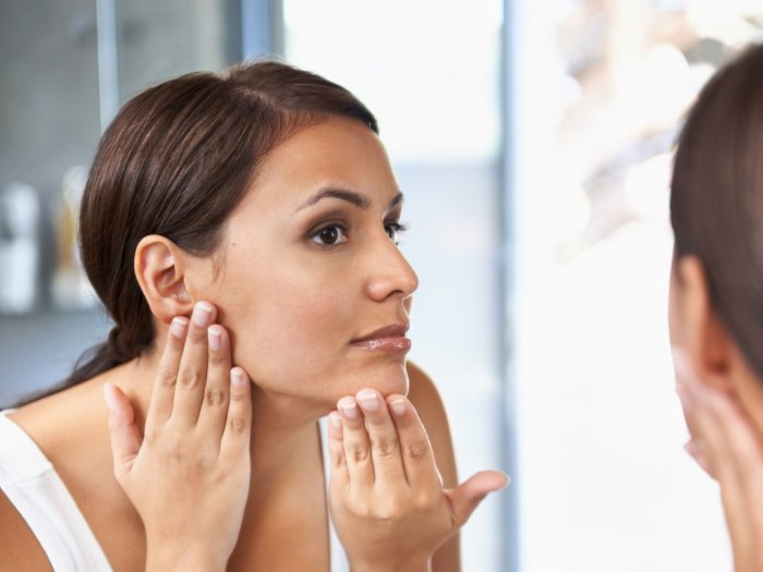 Perlukah Memakai Sunscreen meski di Rumah Seharian