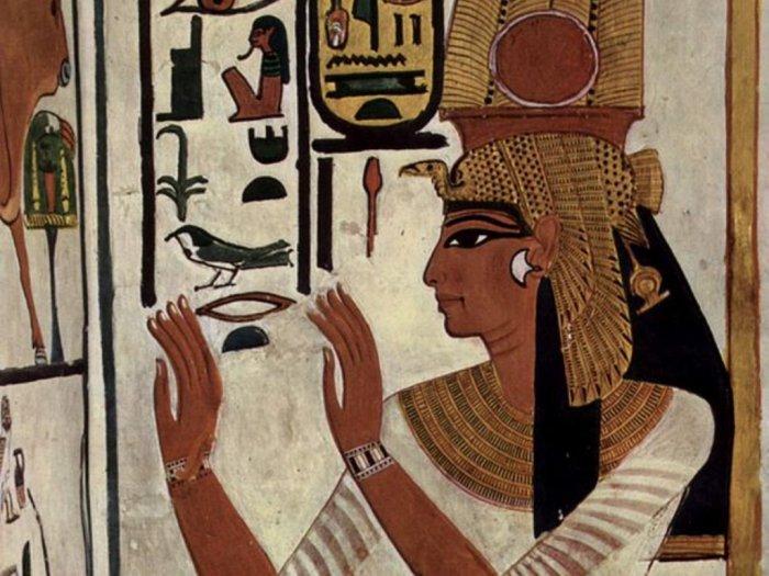 Ratu Nefertari Sang Istri Kesayangan Firaun Ramses II