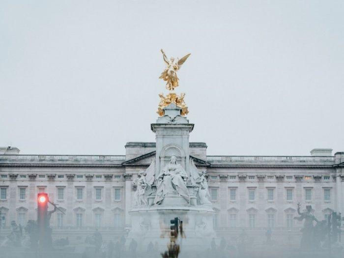 Asyik Keliling Istana Buckingham Sekarang Bisa di Rumah Aja