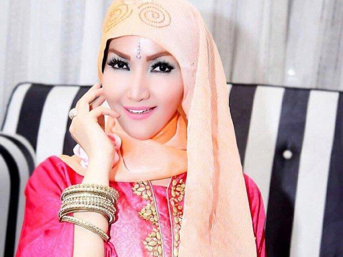 Bebas dari Penjara Intip 5 Gaya Roro Fitria dalam Balutan Hijab