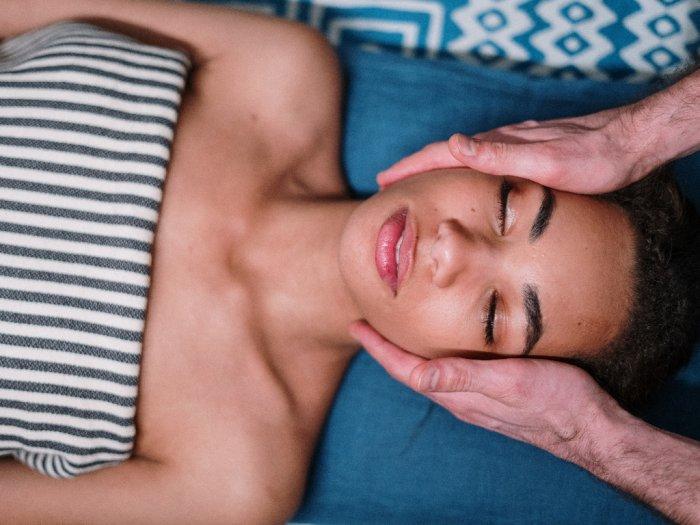 KAMUHARUSTAU Istilah Perawatan Jerawat di Klinik Kecantikan