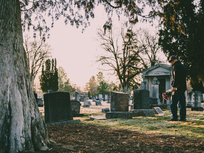 Dimakan Burung hingga Dibuat Manik-manik Ini Ritual Pemakaman Tak Biasa di Dunia
