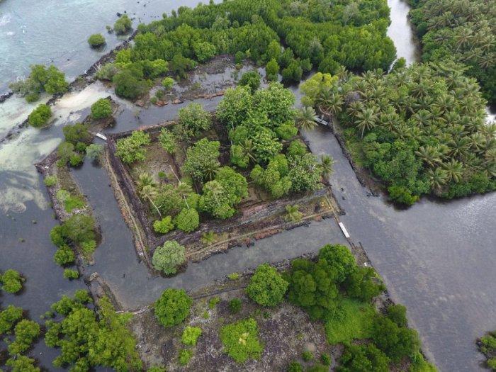 Reruntuhan Kota Misterius Nan Madol di Pulau Buatan