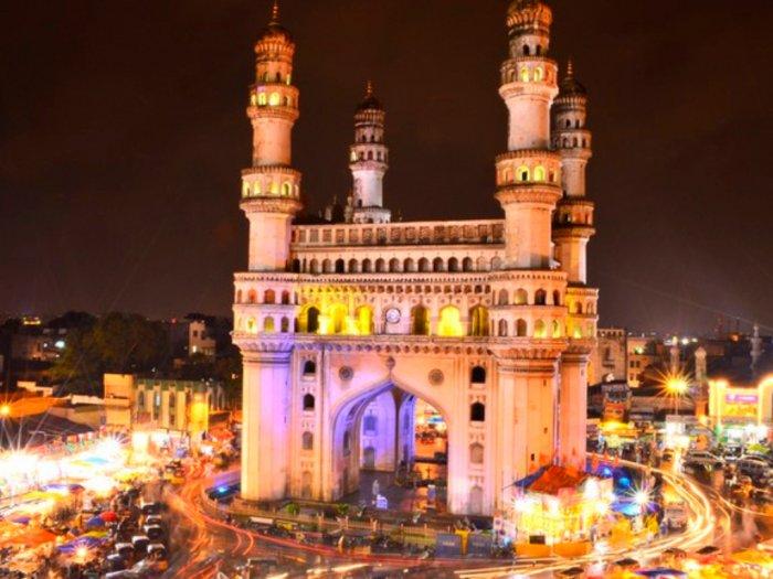 Masjid Megah Charminar yang Didirikan Untuk Hapuskan Wabah