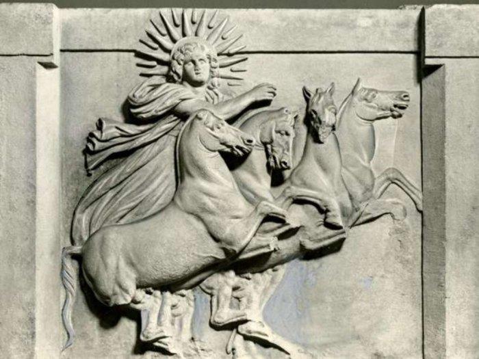 Dewa Matahari quotHeliosquot dalam Mitologi Yunani