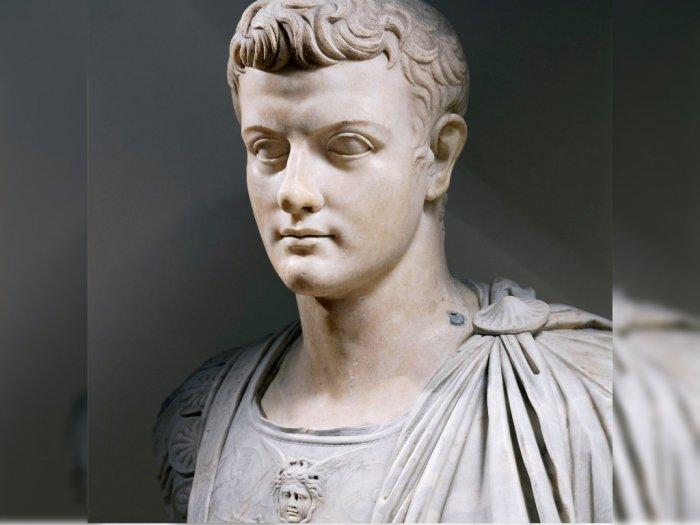 Caligula Pemimpin Kejam Romawi yang Mati Dibunuh